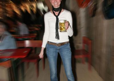 Andrea im Saloon