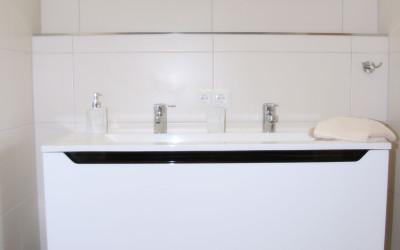 Doppelwaschtisch im Apartment